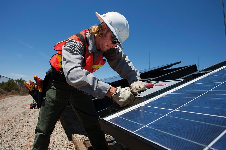 Electricista en energía solar
